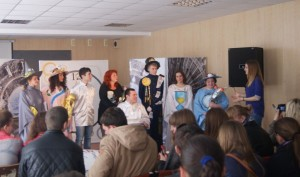 Актори театру та студентський ректор БІЕУ Мостовенко Ірина